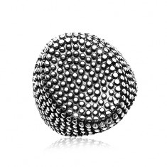 Oceľový prsteň, veľký ovál posiaty drobnými vypuklými bodkami, čierna patina