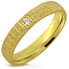 Ligotavá oceľová obrúčka zlatej farby - pieskovaný povrch, zárezy, zirkón, 4 mm
