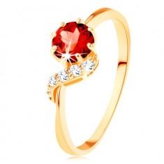 Zlatý prsteň 375 - okrúhly granát červenej farby, ligotavá vlnka