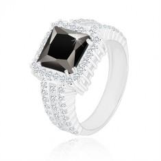 Strieborný prsteň 925 - čierny zirkónový štvorec, číry zirkónový lem a ramená