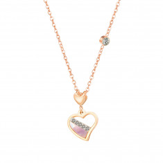 Oceľový náhrdelník v medenej farbe, nepravidelný obrys srdca, perleť, číre zirkóny