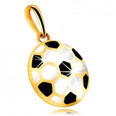 Zlatý 9K prívesok - vypuklá futbalová lopta s čiernou a bielou glazúrou, dutá zadná strana